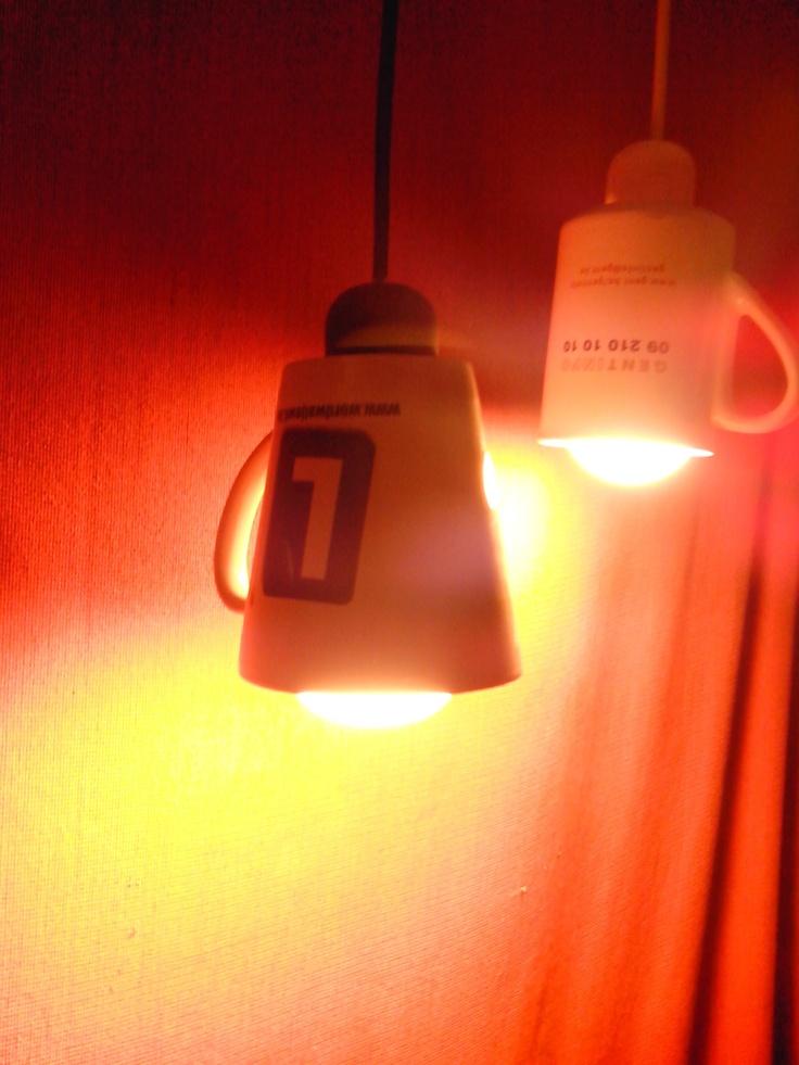 Popular Mok lampen boor met een gyproc klokboor een gat in de bodem van