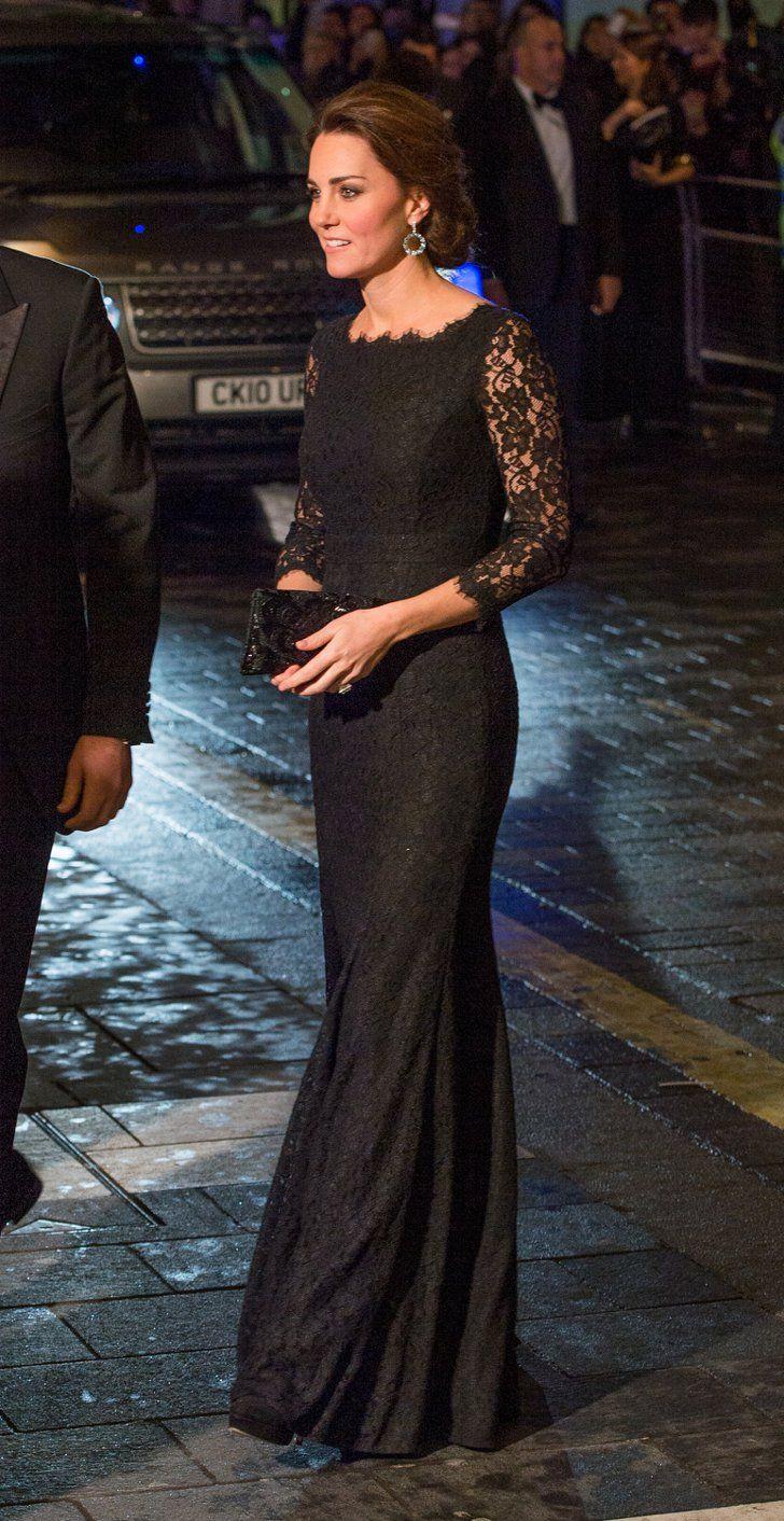 Pin for Later: Les Robes les Plus Glamour Portées Par Kate Middleton  Portant une tenue signée DVF à la Royal Variety Performance en Novembre 2014.