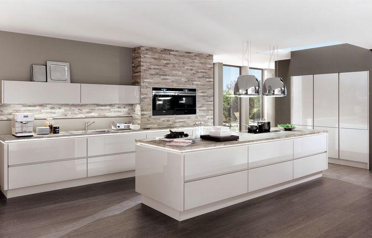 Grifflose Nobilia Lux Küche - braun grauer Boden