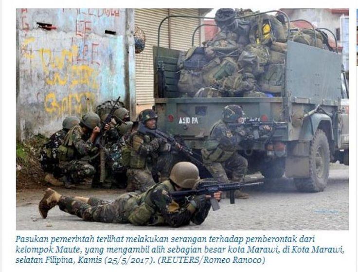 Sekelompok Warga Indonesia Ikut Kelompok ISIS di Marawi  KONFRONTASI - Sejumlah warga warga Indonesia dan Malaysia tewas setelah bertempur bersama kelompok radikal yang diserang militer Filipina di kota di kawasan Filipina demikian pemerintah setempat Jumat (26/5/2017).  Angkata Bersenjata Filipina mengirim sejumlah helikopter dan pasukan khusus untuk mengusir kelompok bersenjata Maute yang diduga merupakan bagian dari jaringan ISIS di Marawi Pulau Mindanao Filipina.  Dalam operasi militer…