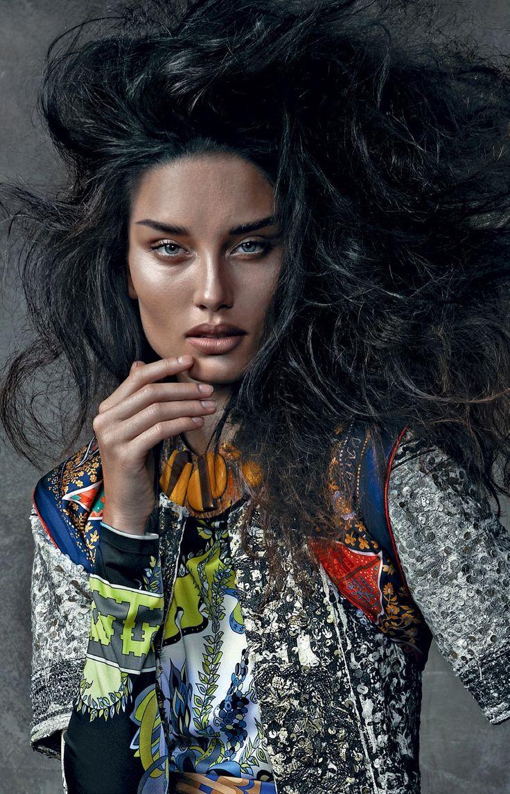 Vogue faz uma seleção do que há de melhor do mercado de lançamentos de produtos para cuidar das madeixas sem ter de ir ao salão