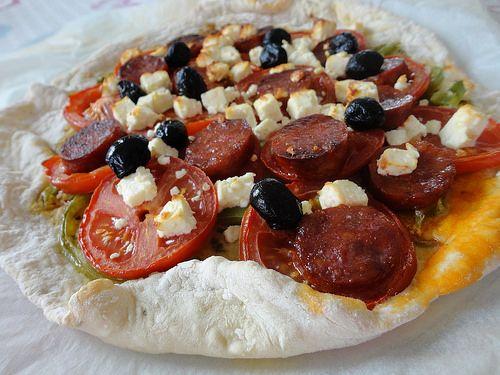 Pizza chorizo, avec une pâte maison à l'origan - Fourchettes et Pinceaux