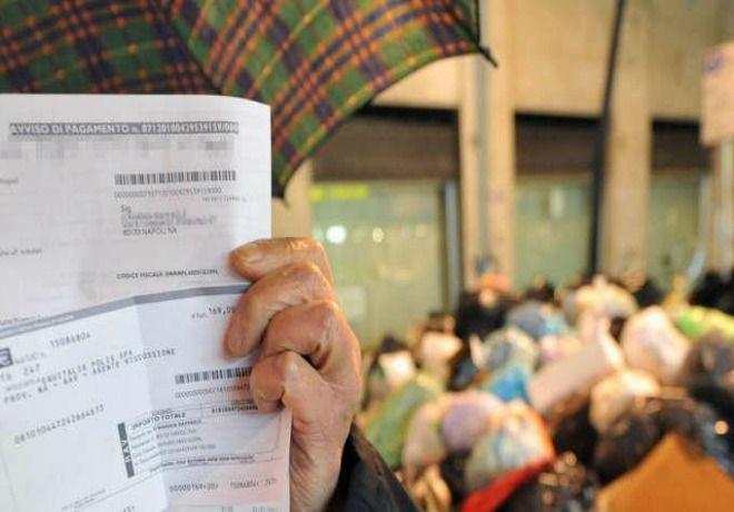 Milano, approvata la nuova tassa sui rifiuti: tariffe ridotte del 2%
