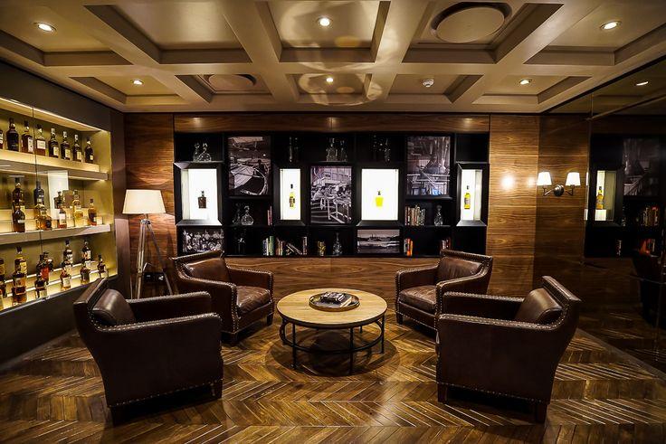 Elegant Whisky Lounge