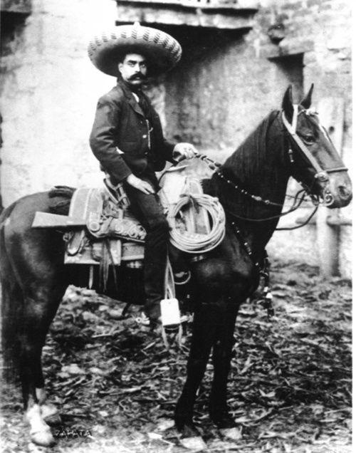 Emiliano Zapata  Valiente  caudillo mexicano que lucho por los derechos de los campesinos y la Tierra  uno de los iniciadores de la revolucion mexicana  el 20 de noviembre de 1910