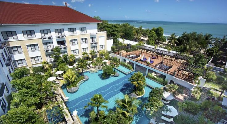 Grand Inna Kuta is on the white sandy beach of Kuta, direct access to the beach besides 5 - 10 minute walk to shopping center and entertainment areas