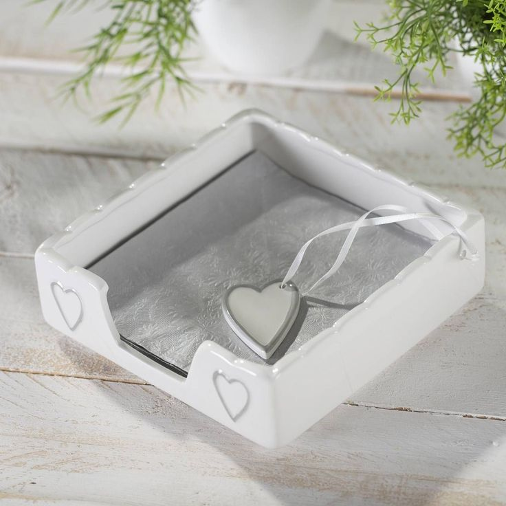 Serwetnik Heart white, 18x18x6cm - Dekoria  #love #milosc #dekoracje #prezenty #gift #celebration #ideas