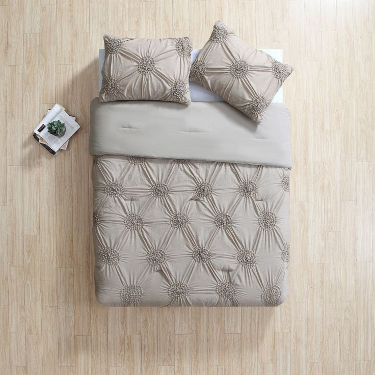 Jenelle Comforter Set by VCNY Cream - JNL-3CS-KING-FA-CM