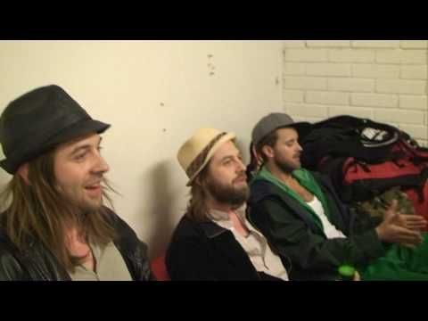 Hoffmaestro & Chraa - Highway man (Acoustic live). Amazing!