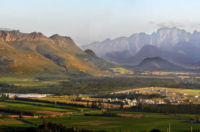 Paarl., This region was one of the first in the Cape to be settled by the refugee French Huguenots