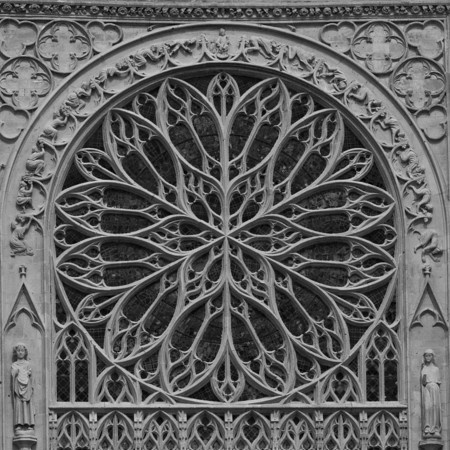 Les 73 meilleures images du tableau rosace gothique sur for Architecture gothique definition