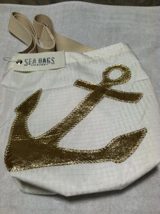 Sally Lee by the Sea | Sea Bags Maine Recycled Sail Bag Review! | http://nauticalcottageblog.com
