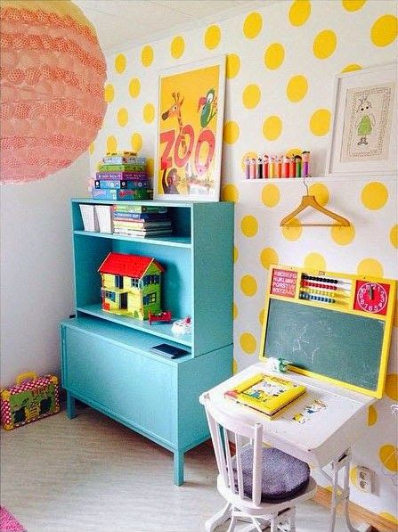 Bright & cheery kids room // yellow & teal
