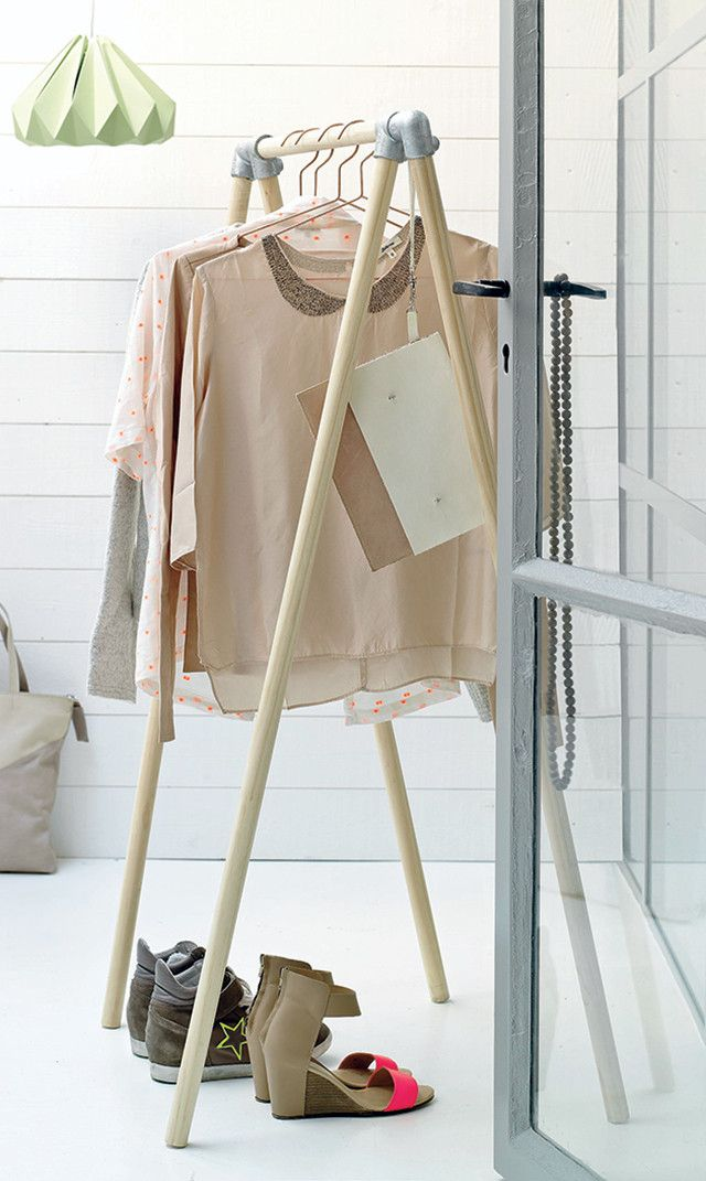 DIY clothes rack fround on 101 wonindeeen - love this idea - 30min and 30 euros :)