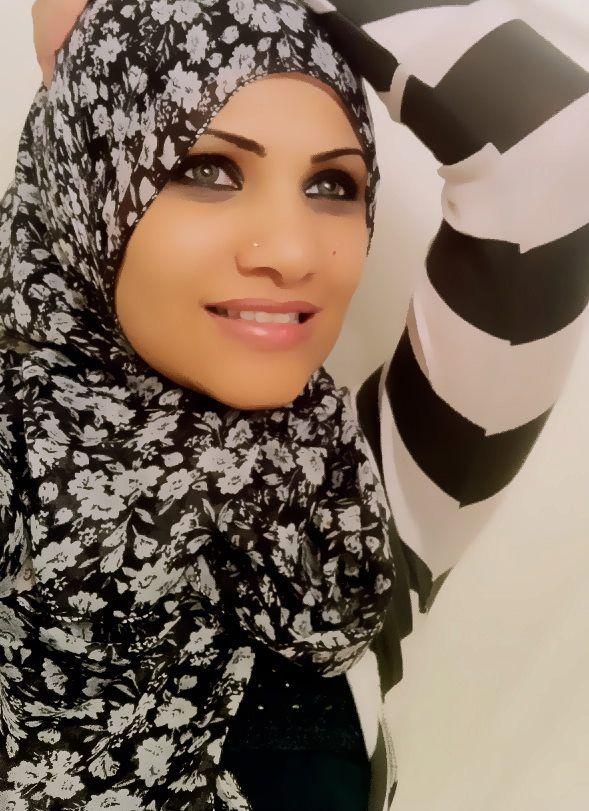 black and white print #hijab on black and white stripes #hijabi #fashion #style