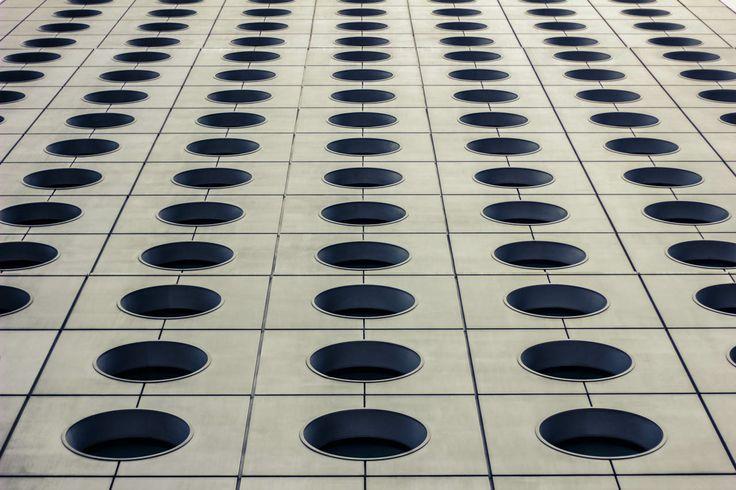 #hongkong #skyscraper #city #contemporary #modern #architecture #view #geometry #circle