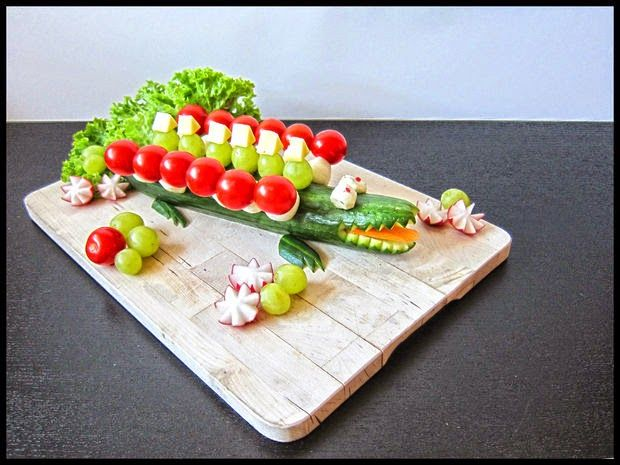 Συνταγές για μικρά και για.....μεγάλα παιδιά: Πως να κάνουμε το Αγγούρι Κροκόδειλος!