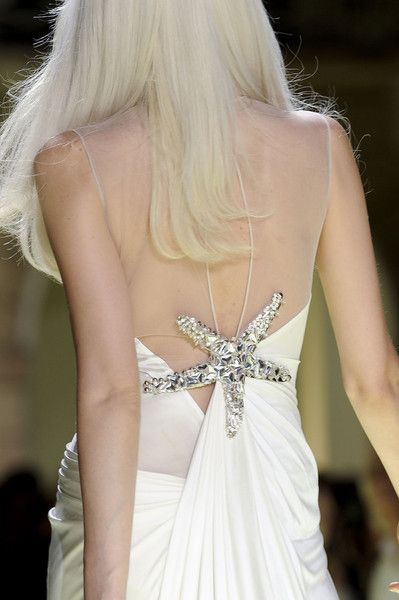 Versace Spring 2012 - DetailsFashion Drapes, Fashion Fade, Fashion Ideas, Fashion Details, Fashion Killa, Details Beautiful, 2012 Details, White Dresses, Fashion Flash