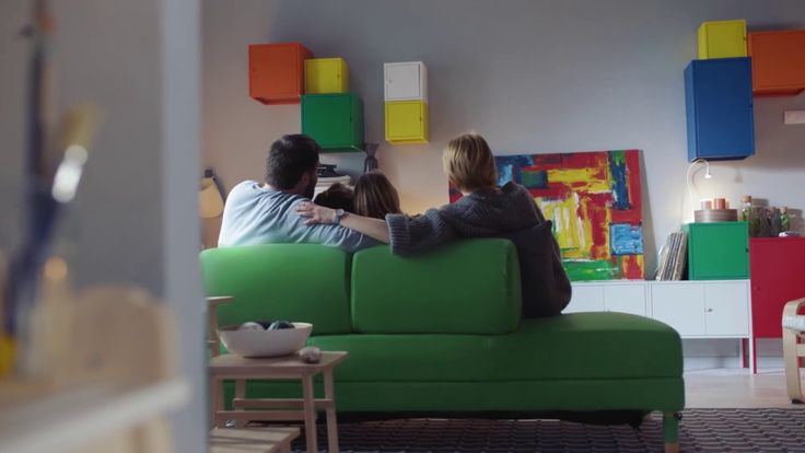 Asigură-te că aduci culoare în viețile celor pe care îi iubești. Noi te ajutăm să începi cu acasă. www.IKEA.ro/mai_multa_culoare