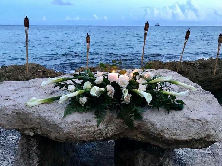CBC381 wedding Riviera Maya white flowers for ceremony centerpieces/ centro de mesa para ceremonia flores blancas