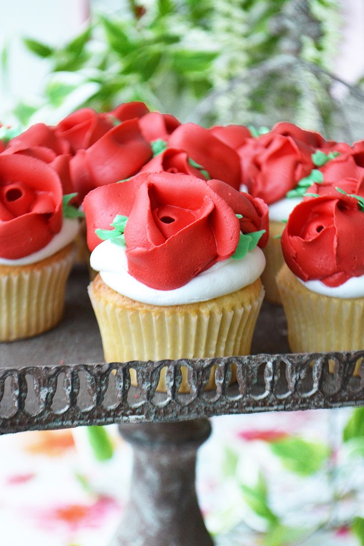 Red Rose Cupcakes perfect for a Wedding, Bridal Shower or Valentine's Day party. By Bake Sale Toronto