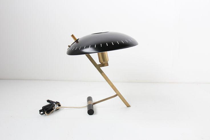 LOUIS KALFF LAMP PHILIPS  https://www.galerie44.com/collection/luminaires/lampe-louis-kalff-modele-z-en-laiton-et-metal-noir-edition-philips-1950-details