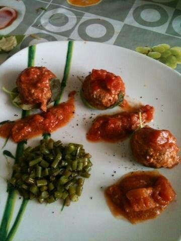 Polpette con caciotta basilico e fagiolini