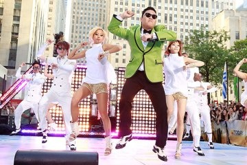 """Gangnam Style!"" The song Gangnam Style by PSY is a viral hit, topping charts, and getting 269+ million views on youtube. This song, song in Korean, has caught on in the states with 1,000's of response videos of the ""gangnam style"" dance hitting the web. With it's upbeat fun rhythm, you'll find yourself singing and humming along throughout the tune! This song does so well because of this upbeat, pop/techno beats being played in a lot of top songs now a days. Abbie Ziegler."