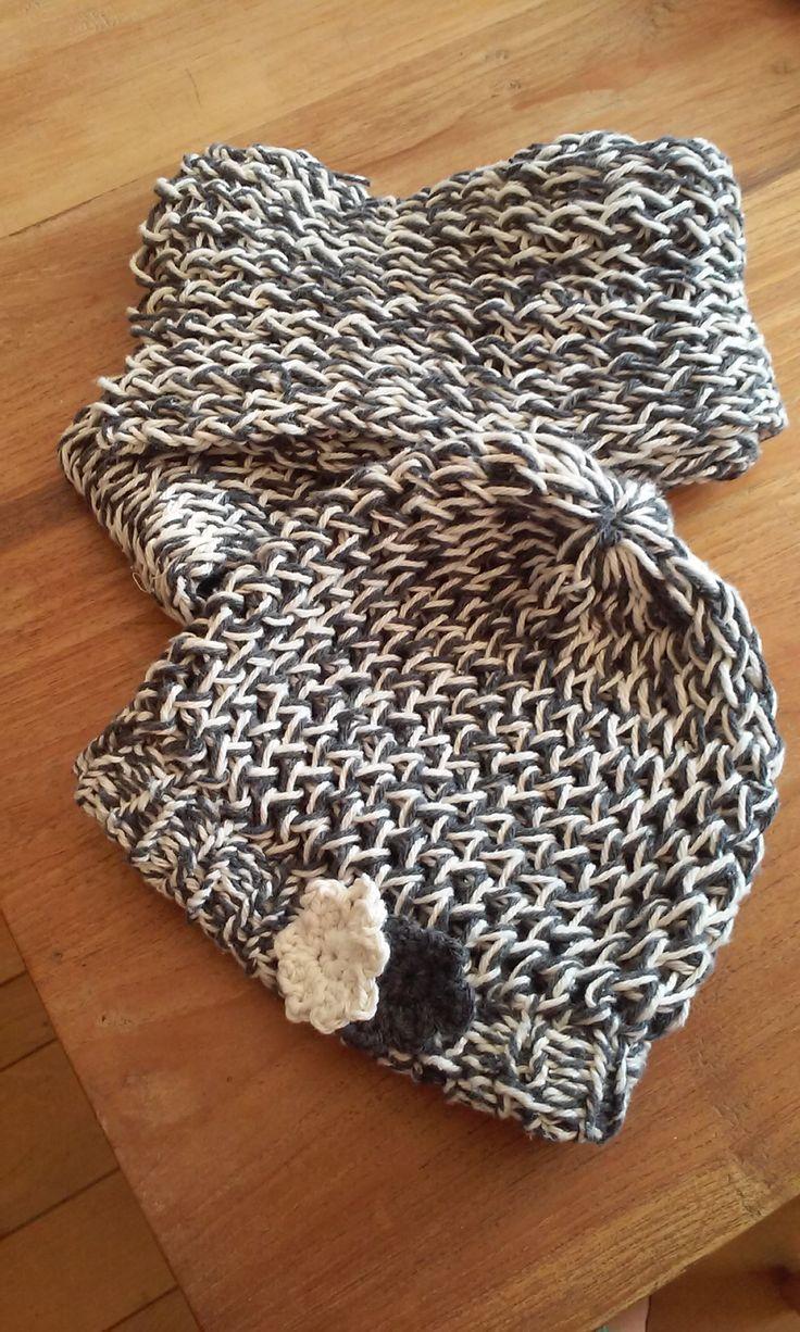 muts en sjaal, gebreid op een breiring