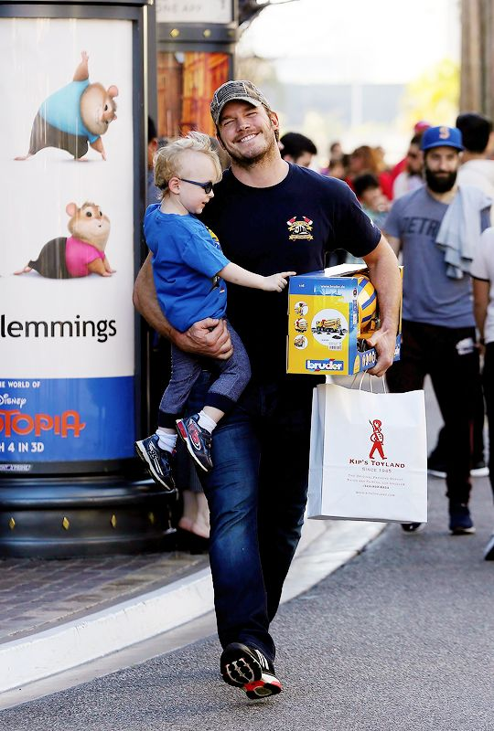 Chris Pratt and his son shopping at The Grove in WeHo