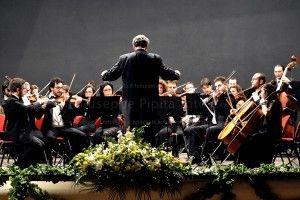 Persuonare serveil talento, per emozionare ci vuole la passione. Un concerto sinfonico non è solo la musica che esce dalle corde dei violini, dai tasti di un pianoforte, dagli oboe o dai flauti. Un concerto sinfonico è il phatos che…