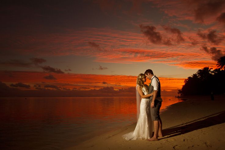 Beachfront wedding at Moana Sands