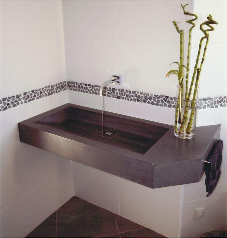 beton mineral salle de bain des murs de salle de bains blouissants avec le bton with beton. Black Bedroom Furniture Sets. Home Design Ideas