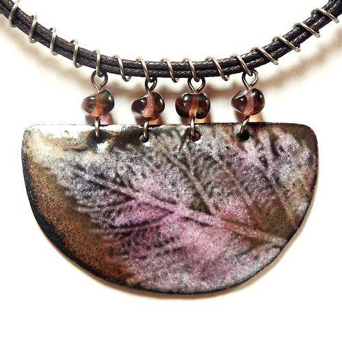 Hana Bendová - necklace (enamel on copper, steel wire, glass beads, linen thread)