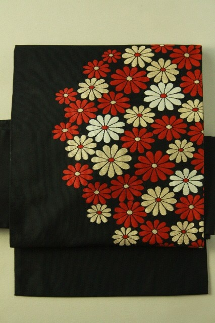 Black nagoya obi / 黒地 お花畑のような菊花お太鼓柄 名古屋帯   #Kimono #Japan http://global.rakuten.com/en/store/aiyama/