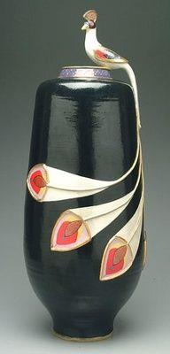 Art Deco  pavo real florero negro de la cerámica