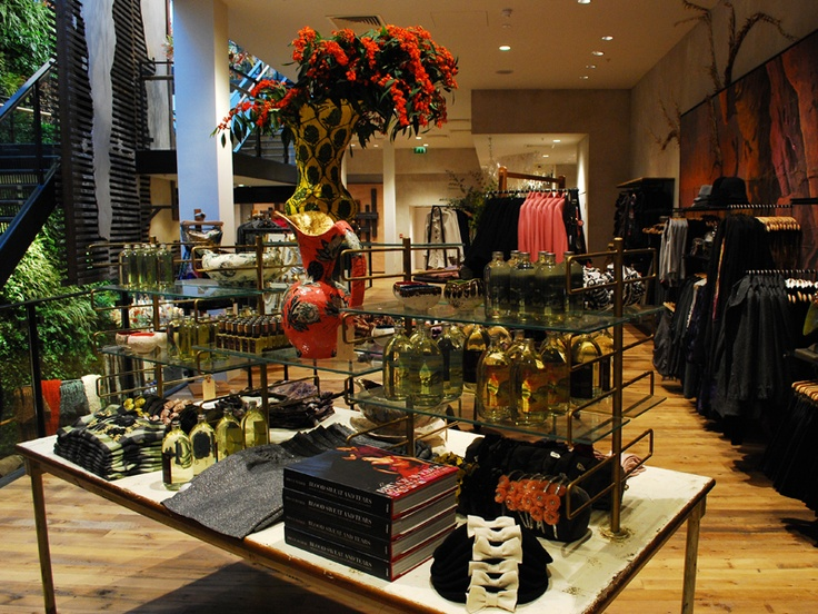 anthropologie regent street store a muse in 2019 anthropologie london shopping street gallery. Black Bedroom Furniture Sets. Home Design Ideas
