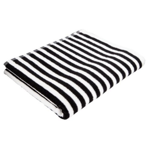 black and white bath towels from Pottery Barn. Pottery Barn's expertly crafted collections offer a widerange of stylish indoor and outdoor furniture, accessories, decor .