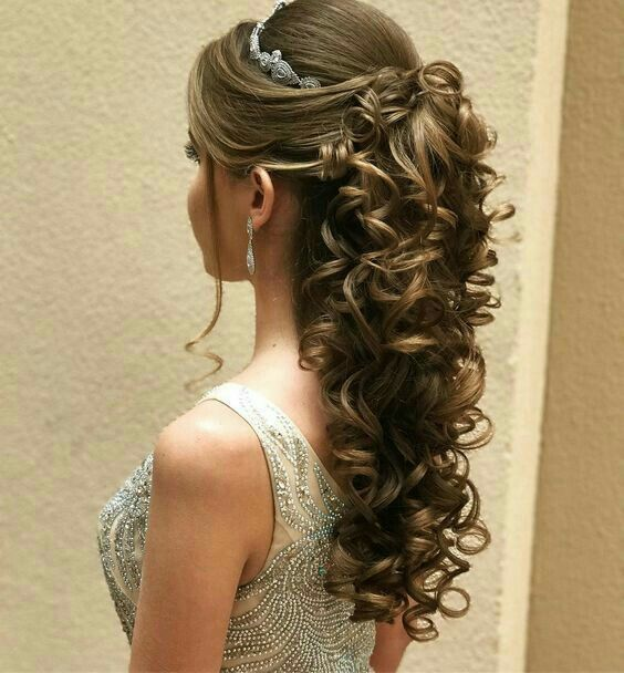 Pin By Isabel Pine On Hair In 2019 Quinceanera Hairstyles
