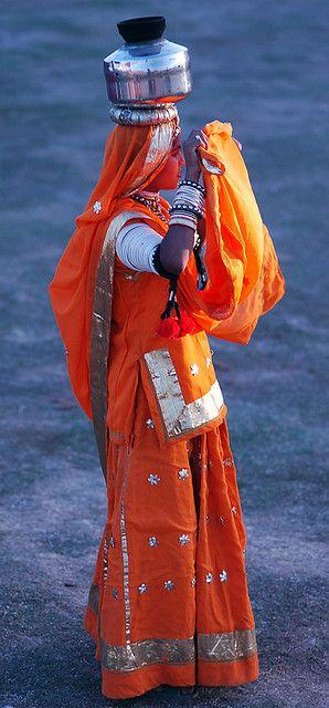 Traditional Rajasthani dancer, Udaipur, Rajasthan, India    www.facebook.com/loveswish