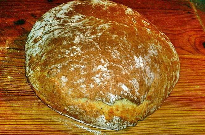Fehér burgonyás házi kenyér köménymaggal