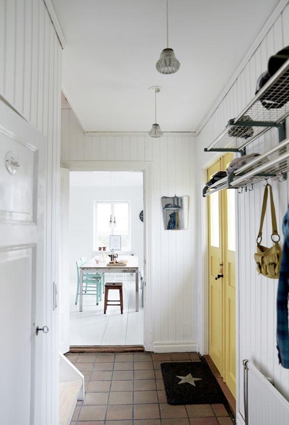 Din entre kan indrettes lige så forskelligt som alle andre af husets rum. Se galleriet med 20 forskellige og inspirerende entréer.