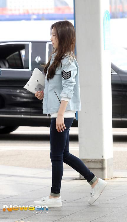 Snsd Taeyeon Airport Fashion 150328 2015 Girls Generation Pinterest Incheon Snsd And Casual