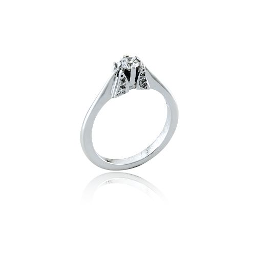Love Rocks solitaire in 18KT white gold. #Wedding #Bridal #Engagement #Ring