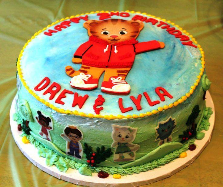 A Daniel Tiger's Neighborhood birthday cake!