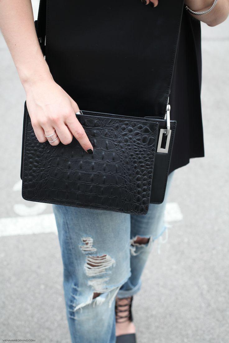 Black Croc Bag © VIENNA WEDEKIND