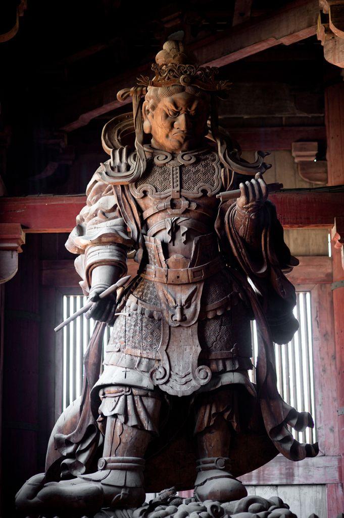 Statue, temple Todai-ji, Nara | Flickr : partage de photos !