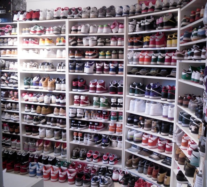 If i ever saw that a guy had this much shoes i would be in complete shock, and speechless