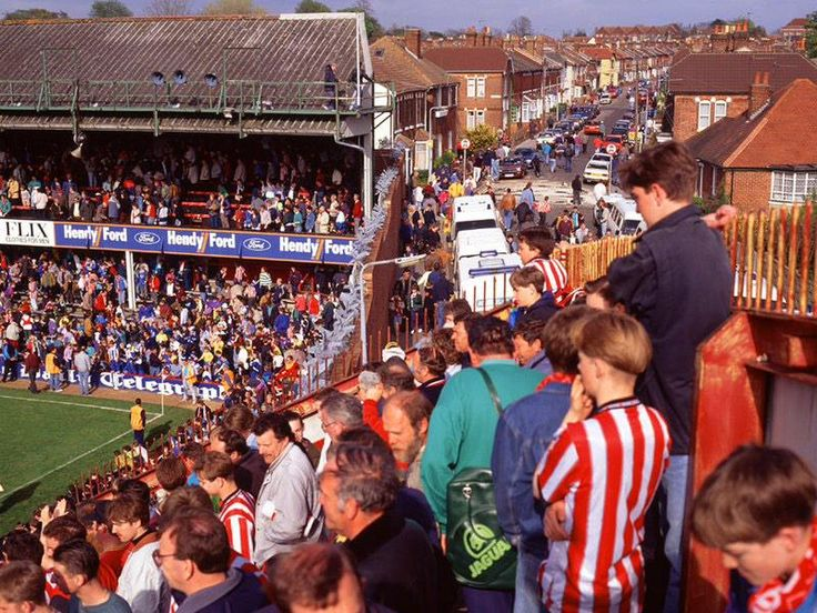 """The Dell in Milton Road, Southampton, was the home ground between 1898 and 2001. On 30 November 1940, a German bomb fell on the stadium during the Blitz, creating an 18-foot crater in the Milton Road penalty area. While the pitch was being restored, Southampton had to play their remaining fixtures in 1940–41 away, although in February 1941, they played a """"home"""" War Cup tie with Brentford at Fratton Park, Portsmouth."""
