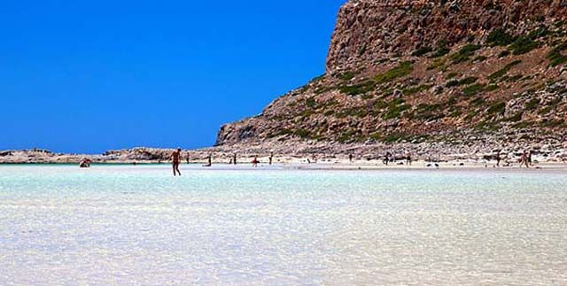 Balos, #Crete The turquoise color of the water transports you to a beach of the Caribbean.